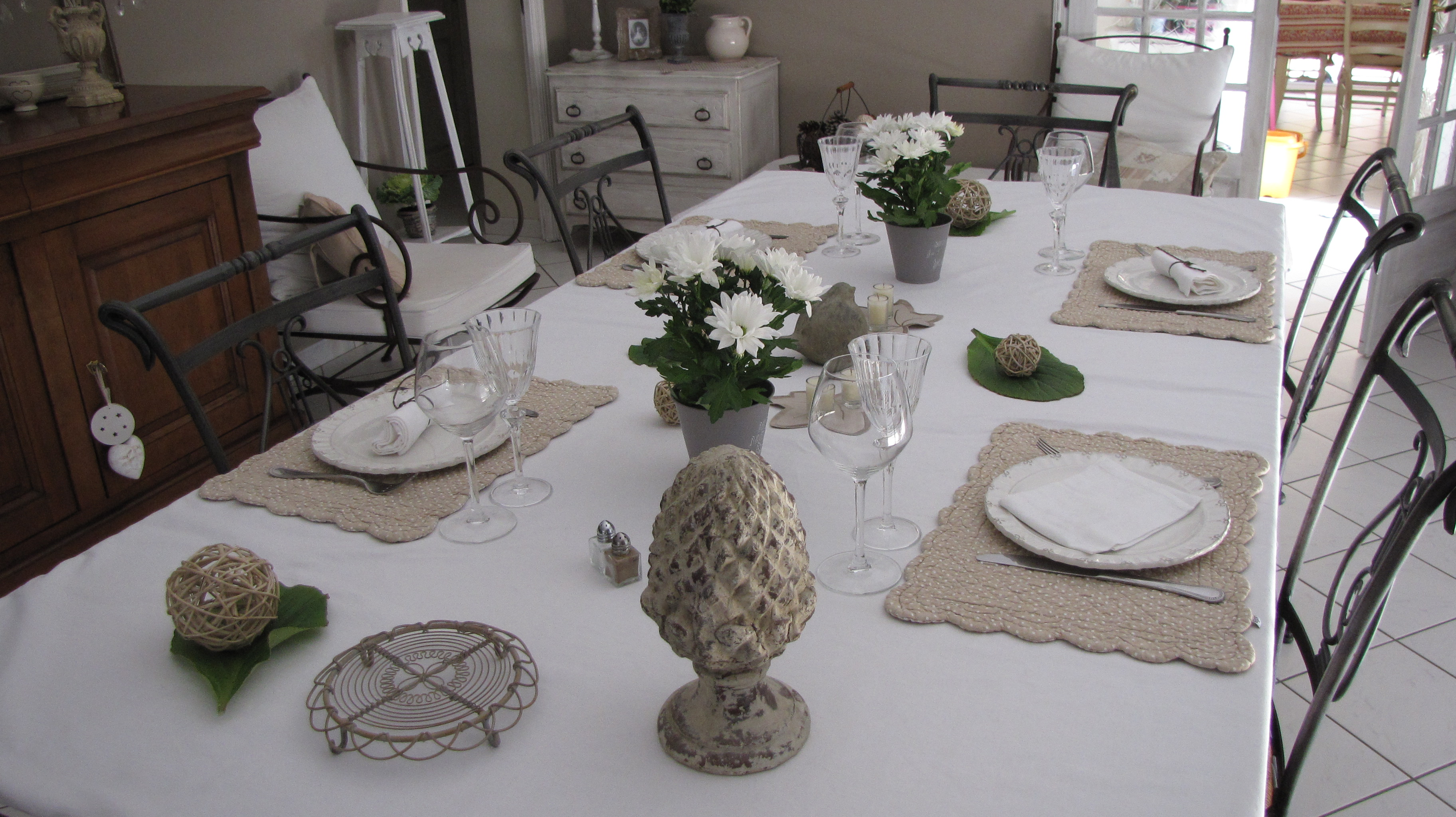 Fil de fer et compagnie d coration de table blanc sur blanc - Idee de decoration de table ...